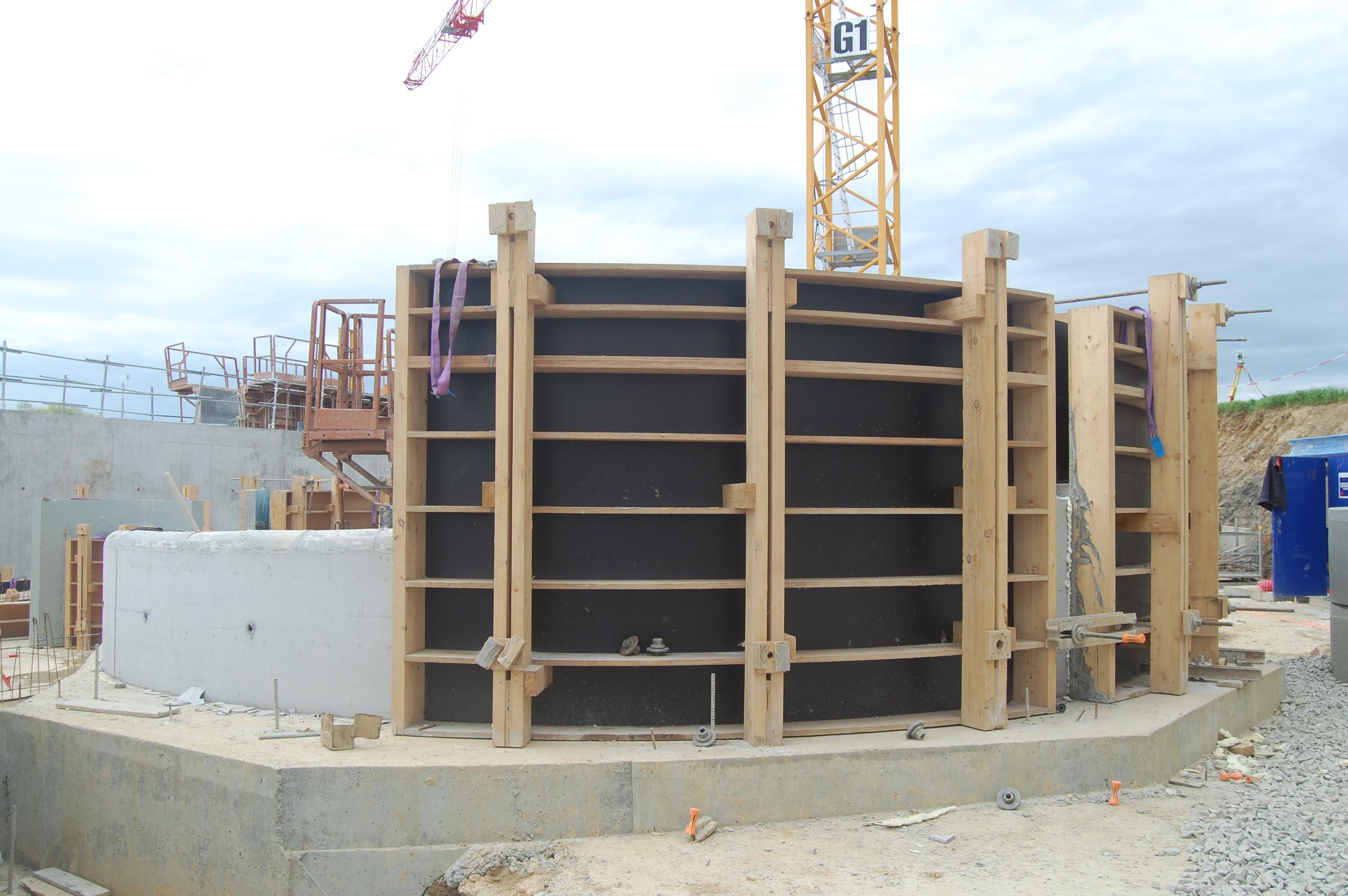 Banches bois angers par la menuiserie dupr dupr for Maison en beton banche